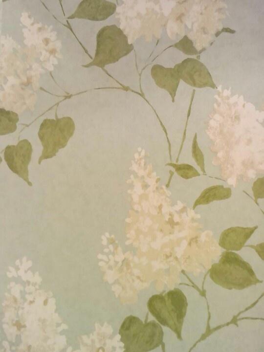 Behang, witte pluimhortensia op een groene achtergrond, Engelse collectie