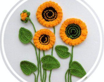 Crochet Applique Poppy Flowers and Leaves Set by CraftsbySigita