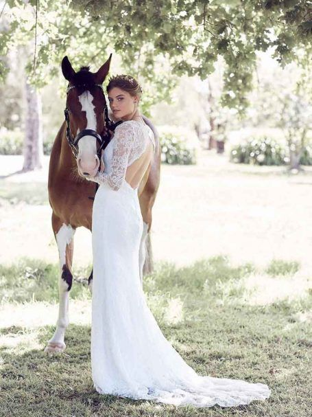 Inspired by the Australian country side, this dress will be loved by country and city girls alike. The keyhole backless feature will stun and delight.