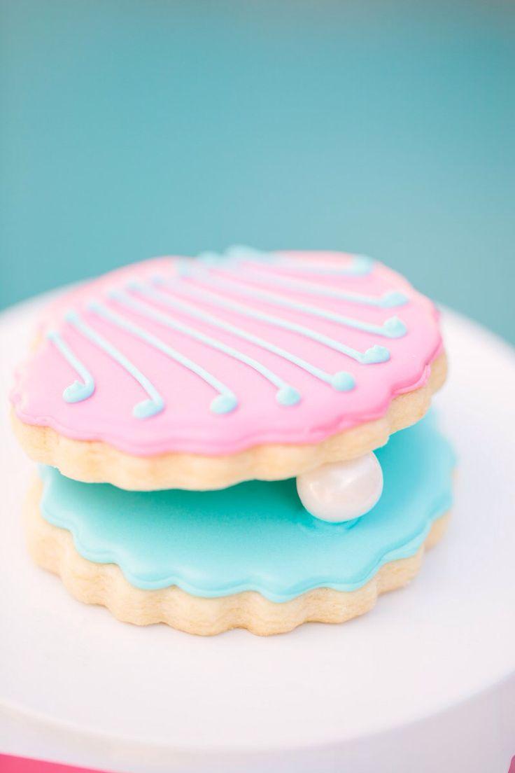 Seashell & pearl cookies (pink/blue) #tomkatstudio