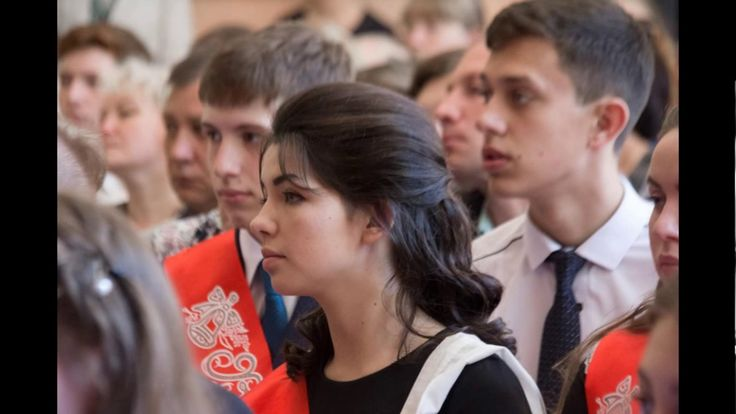 """Смех и слезы. Как в Барнауле прошли """"последние звонки""""?"""