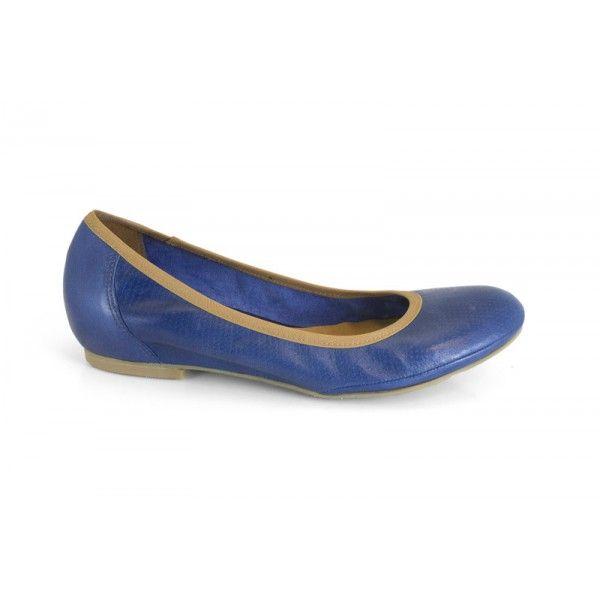 MARCA: Mikaela  Colección: Primavera Verano 2013  Zapato de piel de mujer para utilizar a diario, cómodo y de calle. Calzado tipo bailarina ...