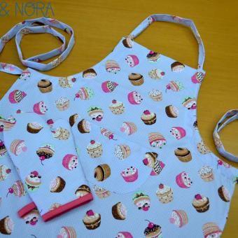 Delantal Cupcakes con guante de la misma tela... Agotado
