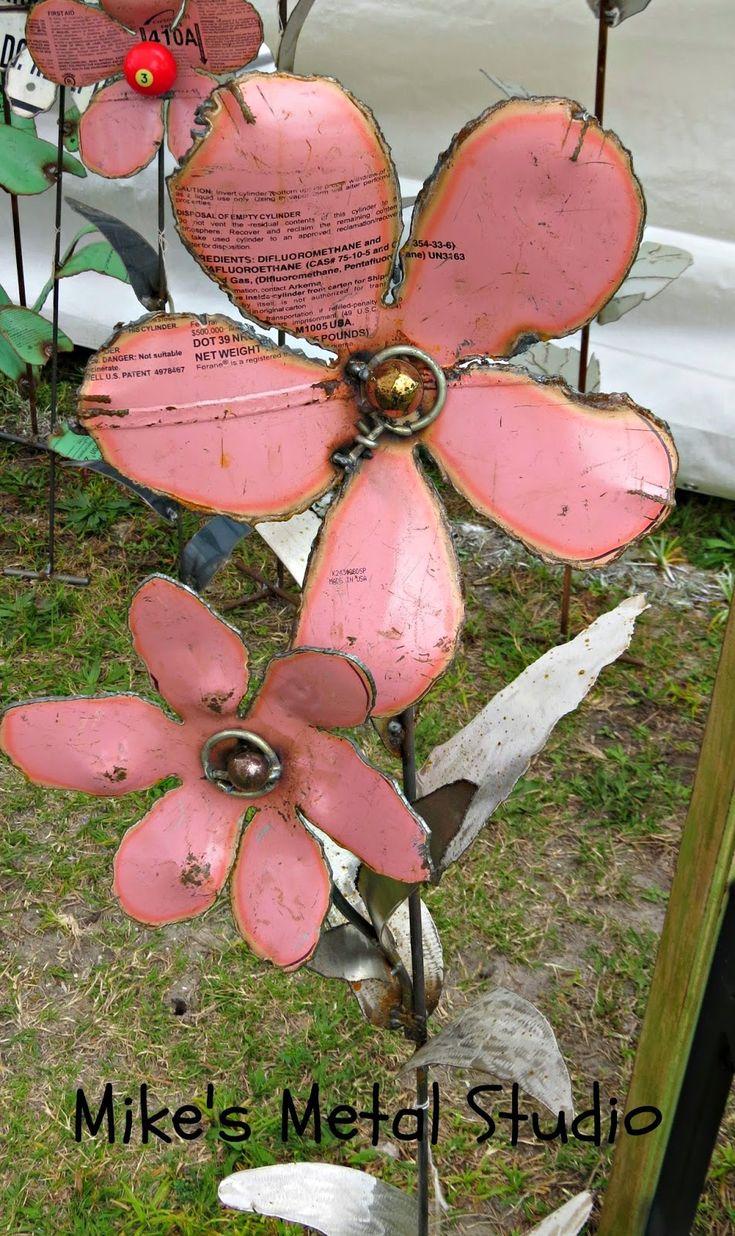 Poppy flower stake garden art poppy strong metal yard art flower - Mikes Metal Studio Metal Flower Yard Art From Freon Cans Rustic Metal