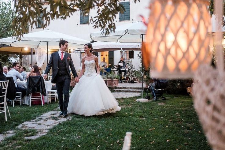 Non solo alla cerimonia, gli sposi hanno un altro grande ingresso da fare: quello al banchetto! Avete già pensato alla canzone che vi accompagnerà? Eccovi le nostre proposte.