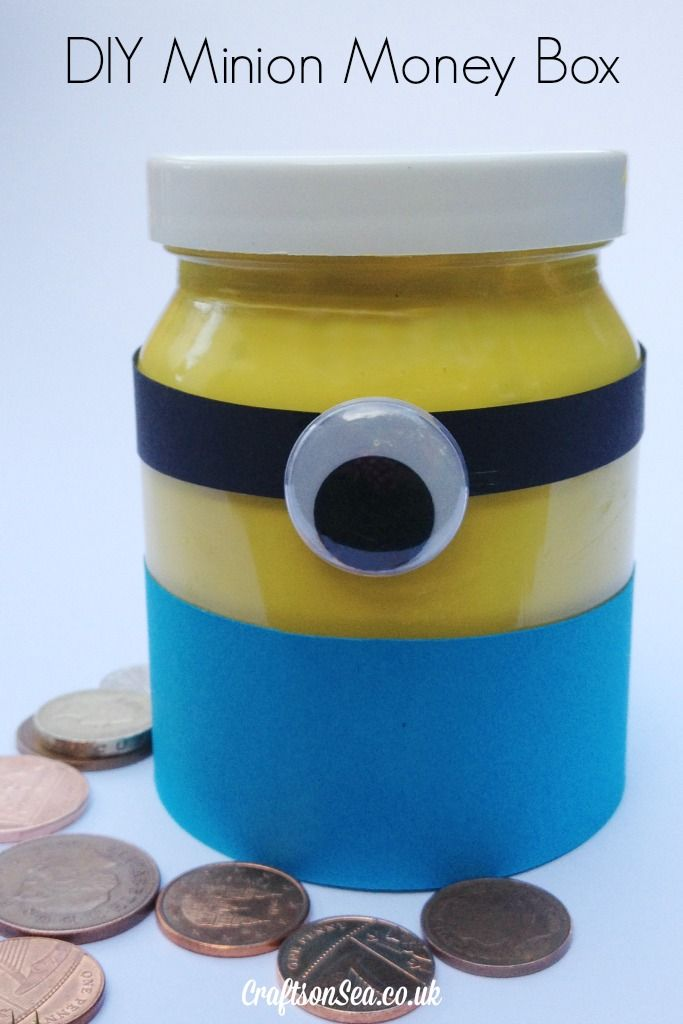 Minion crafts simple kids craft inspired by the minions film