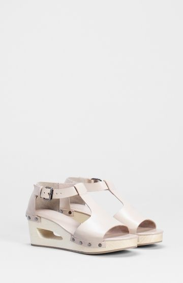 The Boda Leather Clogs In Nude By Elk The Label