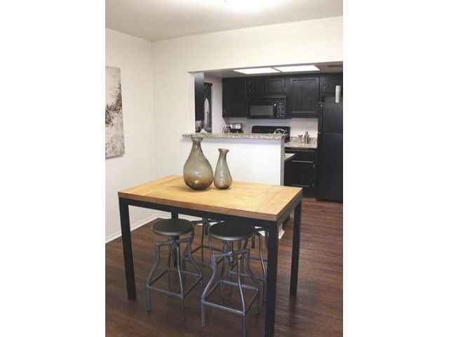 1 & 2 Bedroom Apartments Available! Reserve your new home today with a $99 deposit - Houses - Apartments for Rent - Overland Park - Kansas - announcement-91816