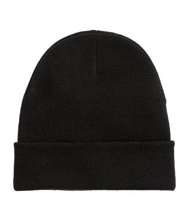 Hat in soft, double-layer fine-knit fabric.