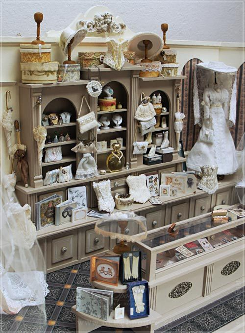 kolekcjonerski domek dla lalek