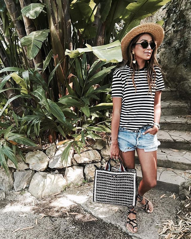 Pin for Later: 34 Easy Outfit Ideas For When It's Too Hot to Even Move A Simple Striped Tee and Short Shorts