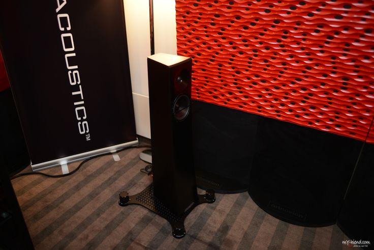 YG Acoustics Carmel 2 at Audio Video Show in Warsaw.  Seismic Podium - Townshend Audio Acoustic panels - Artnovion  Cables - Townshend Audio