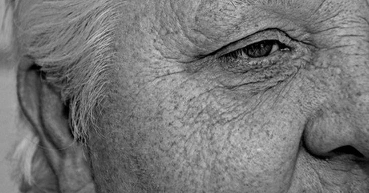 Quão rápido as rugas suavizam usando estriol?. De acordo com seus defensores, o creme de estriol tópico pode desaparecer com suas rugas e reverter os sinais do envelhecimento (vide referência 1). No entanto, segundo a FDA (empresa de regulamentação dos Estados Unidos), não há ainda estudo conclusivo que tenha comprovado sua eficácia na suavização das rugas (vide referência 2).