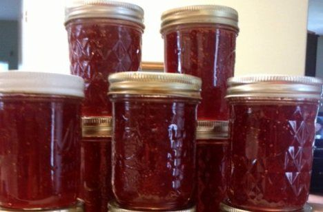 Mock Strawberry Preserves Made with Figs!