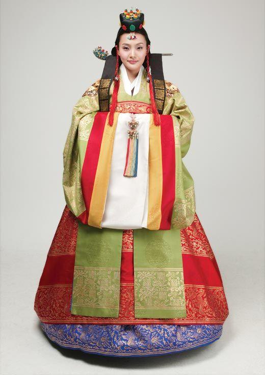 Hanbok - Korean traditional wedding dress