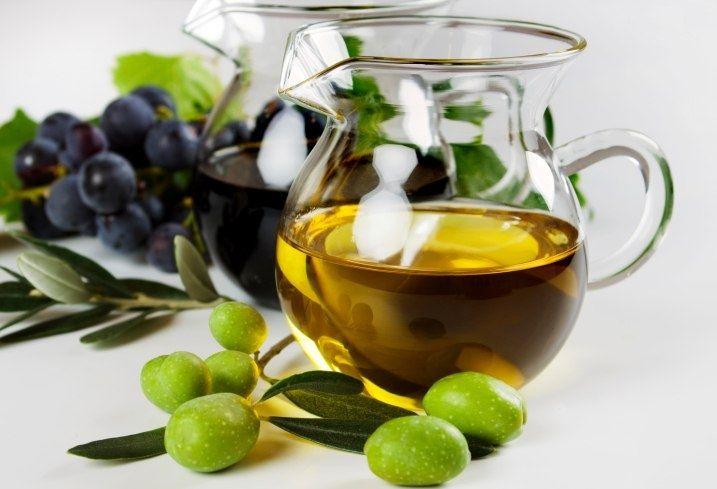 Оливковым маслом удобно чистить нержавеющую сталь
