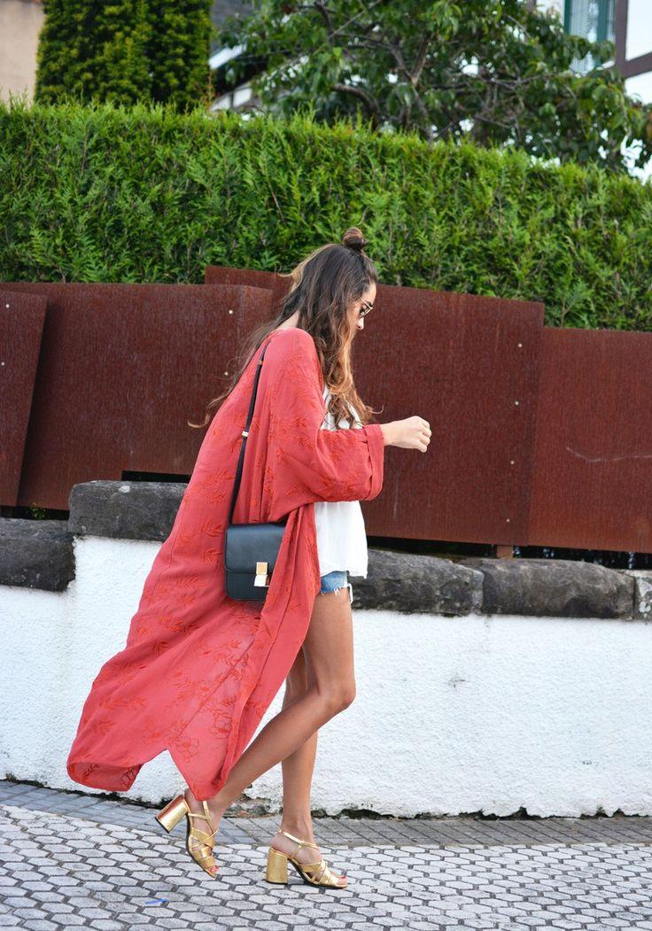 kimono: Zara ( this season ) , shorts: Levis , bag: Celine, sunnies: Ray-Ban, top: Zara ( this season )