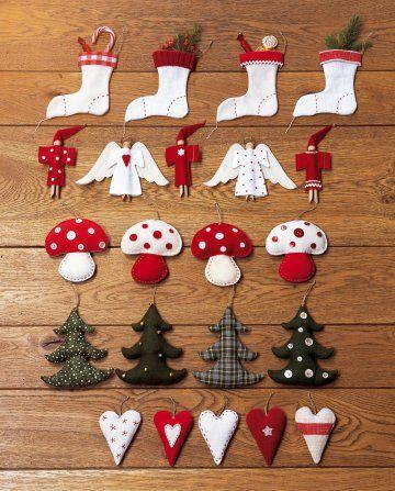 Sujets de Noël en tissus blanc, vert et rouge en forme d'anges, de champignons, de sapins, chaussettes et cœurs: