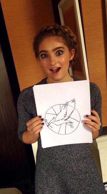 Draw the Mockingjay symbol. | Willow Shields | Willow ...
