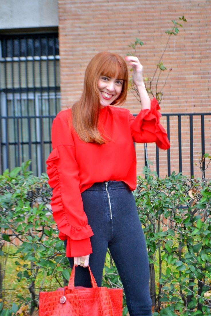Blusa /Shirt : Sfera   Pantalones /Pants : Zara   Botines /Ankle Boots : Public Desire   Bolso /Bag : Furla      Em...