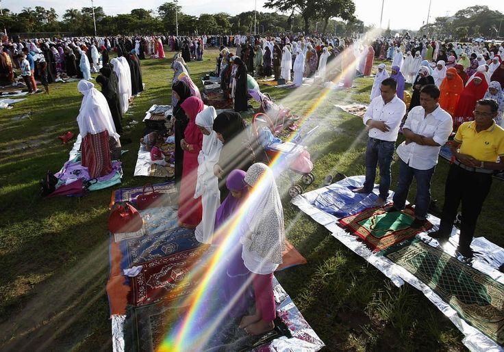 31 Incredible Photos Of Muslims Celebrating Eid Al-Fitr Around The World