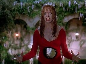 Goldie Hawn, understandably upset, in 1994's Death Becomes Her