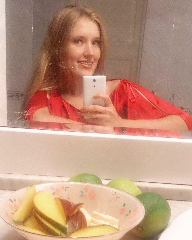 Теплая ванная с #лайм и #гранат #Вкусности❤ #манго #банан в сливочном топпинге #птичьемолоко  Вперед к выздоровлению!  #магаданскийдом #vladimir #улицачайковского #больничныебудни #витамины #healthyfood #autumn #mood #warmhome #watertreatment #tastyfood #eveningtime #fruits #mostresent #recovery #convalescence  Yummery - best recipes. Follow Us! #tastyfood
