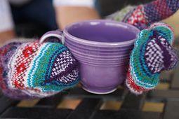 Doja's gift fair isle mittens knitting pattern