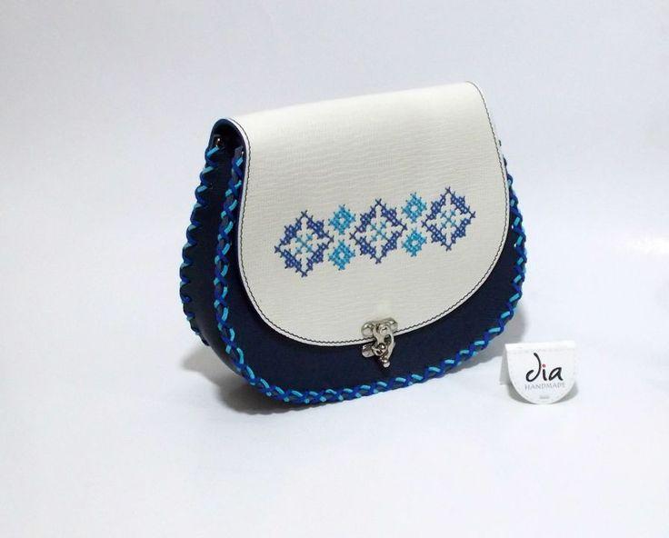 175 LEI | Genti  handmade | Cumpara online cu livrare nationala, din Bucuresti Sector 1. Mai multe Accesorii in magazinul ro.shop pe Breslo.