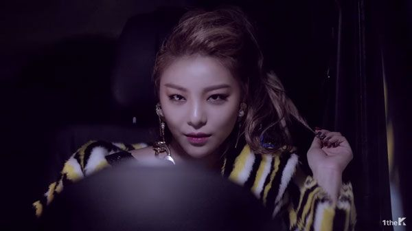 Ailee vuelve con una venganza en el video de 'Mind Your Own Business'