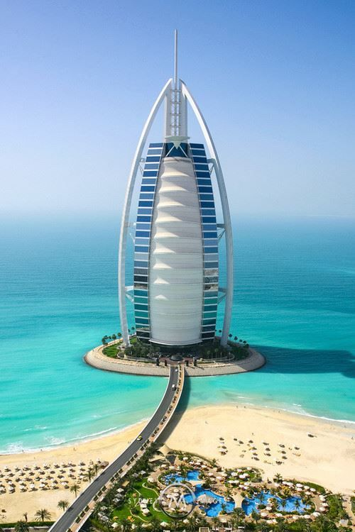 The world 39 s only 7 star hotel burj al arab in for Dubai famous hotel