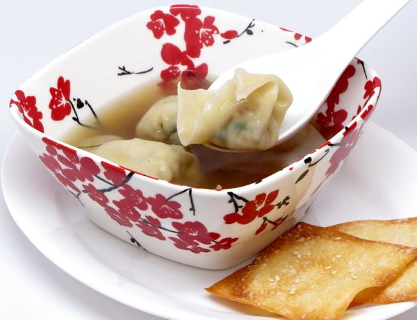 I love making wontons – you fill them with just about anything and drop in broth and they make a great meal. But this one goes far beyond – the flavors of the ginger, lemon and vegetables mingle so beautifully ! You'll want to make this one again and again. 6 servings 395 calories per…