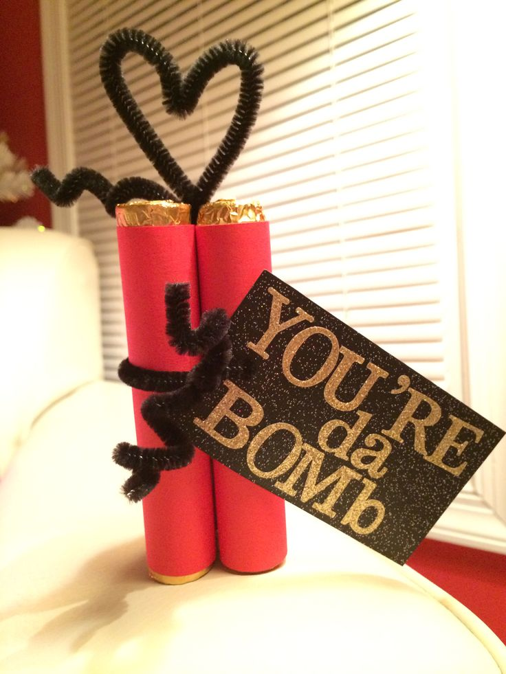 "DIY Just 3 rolos, some construction paper, and 2 pipe cleaners! ""You're DA bomb"" great surprise  for your boyfriend!"