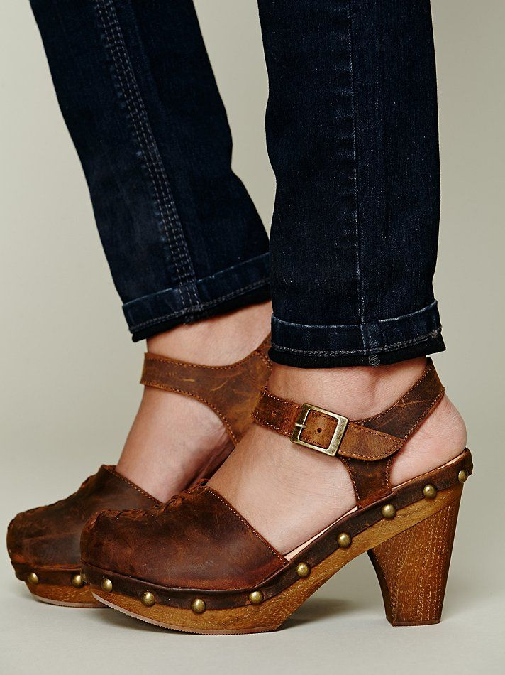 Jeffrey Campbell Daubs Clog http://www.freepeople.co.uk/whats-new/daubs-clog/