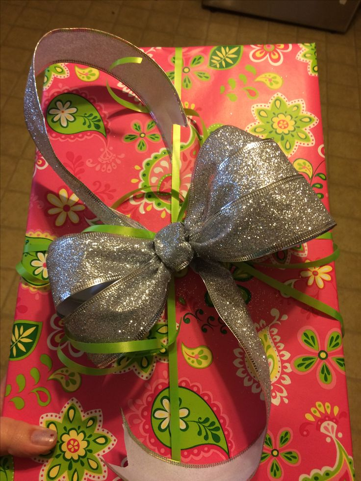 Pin by Bekah Porter on Gift Bow Ideas! Gift bows, Ribbon