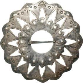"2518: c. 1680, Indian Trade Silver Shirt Brooch"" : Lot 2518"