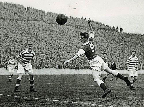 Jimmy Thomson del Hibernian en 17 de Abril de 1954.