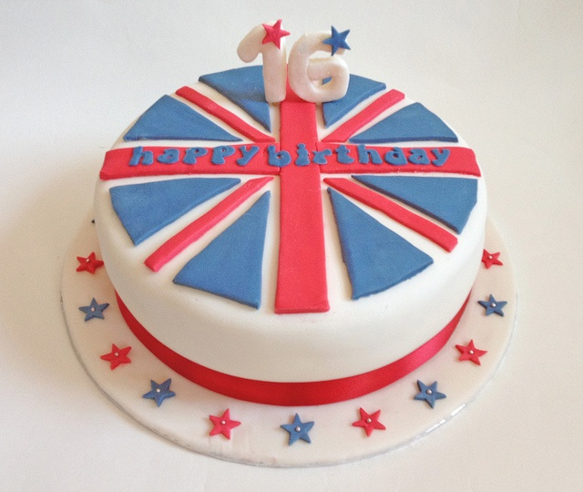 Union Jack Cake by Rosie Maguire, via Flickr