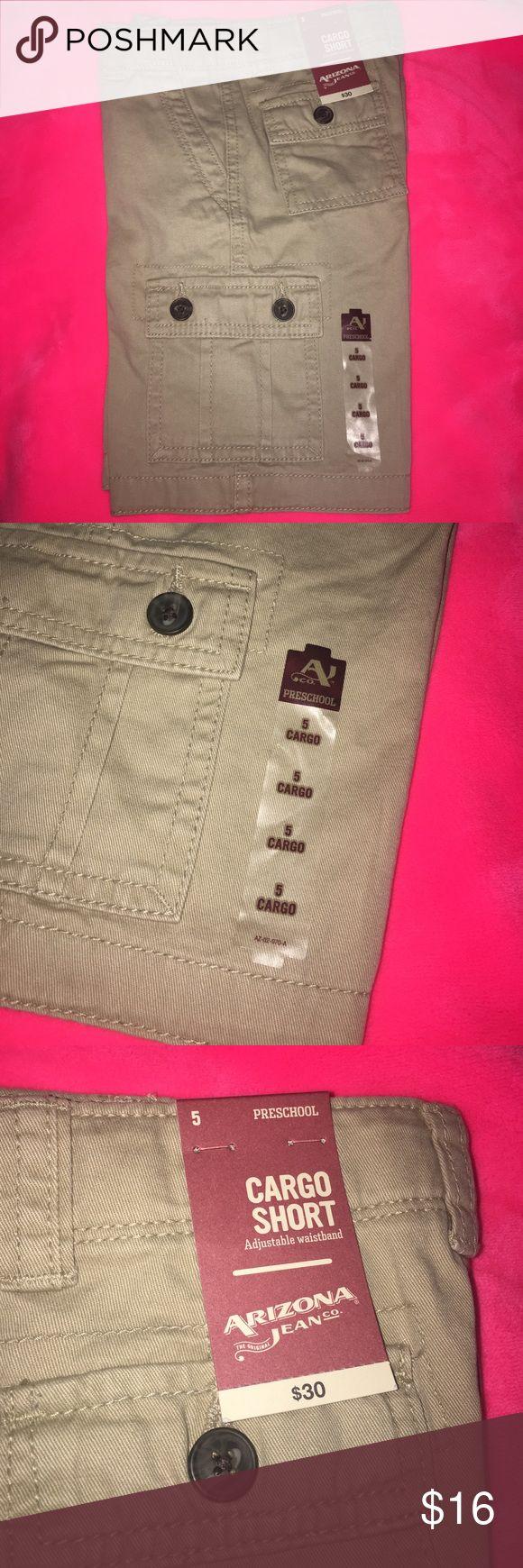 Arizona boys cargo shorts khaki color /beige Brand new Arizona cargo shorts for boys size 5 with adjustable waist band Arizona Jean Company Bottoms Shorts