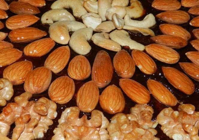 Tarta de frutos secos y miel
