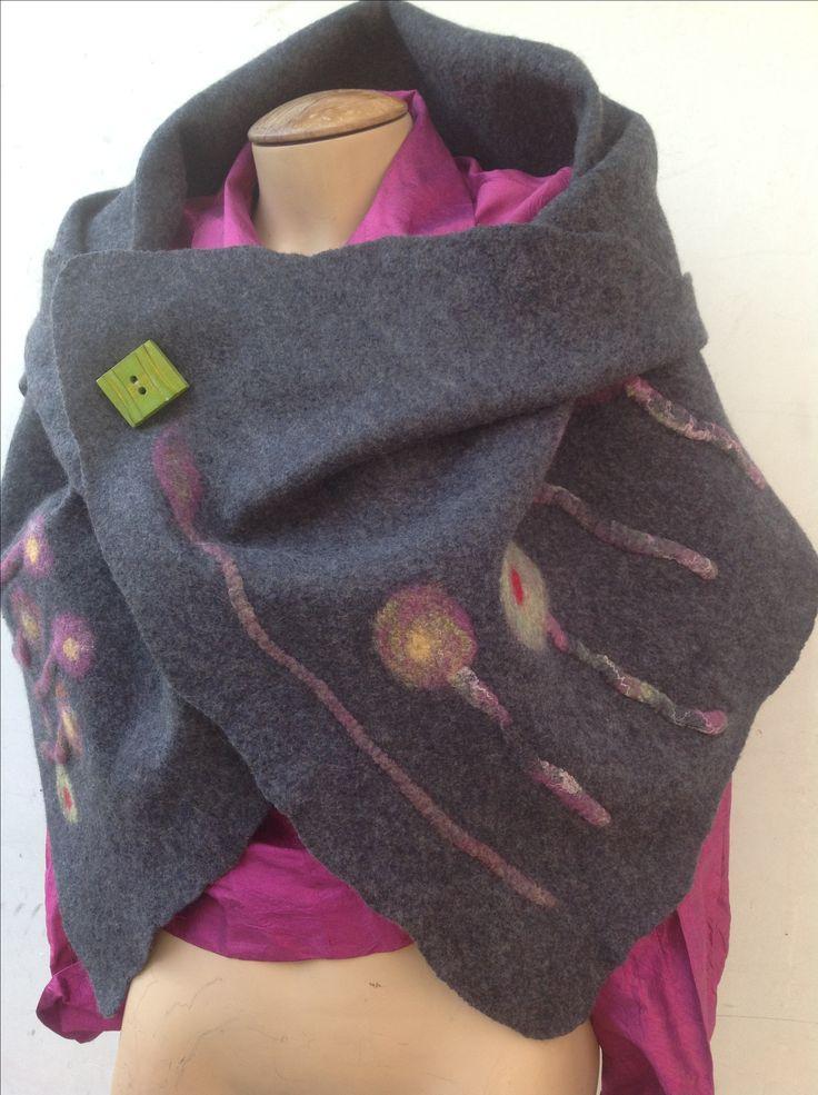 Echarpe de lana merino australiana fieltrada.