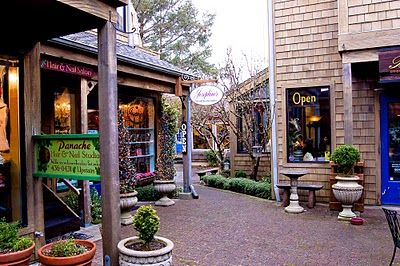 Cannon Beach, Oregon... hands down my favorite shopping experience while traveling the Oregon Coast. Just the neatest seaside community. A favorite. A magical place that captured my heart.