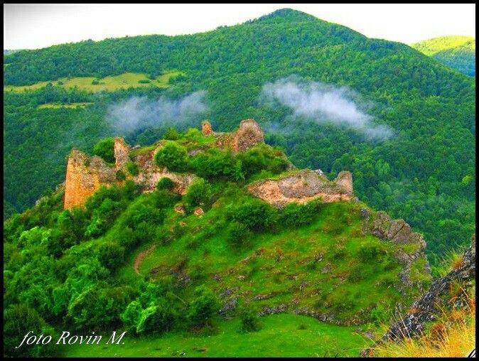 Cetatea lui Gelu . Muntii Baisorii.