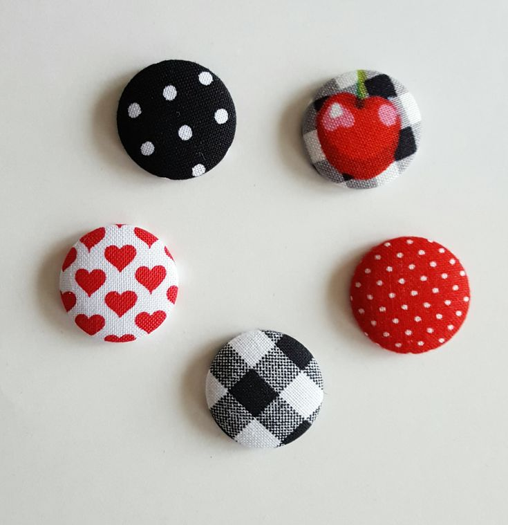 Fabric magnets, set of 5, fridge magnet, fabric button, button magnet, kitchen magnet, dorm decor, fabric button magnets, round magnets by SewSassyByApril on Etsy