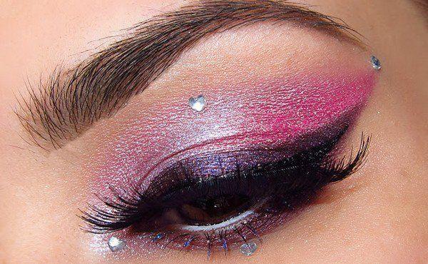Silever eye makeup