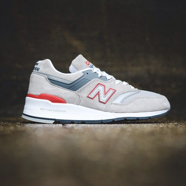 """New Balance Made In USA M997CGR """"Pumice Stone"""" Entitled #PumiceStone, the latest @NewBalance release boasts a light #grey pigskin suede and mesh upper enhanced by 3M reflective elements and red accents. All seated atop a full white contrasting midsole. Another flawless general release straight out from the #Boston factory. (📷@SneakerPolitics) Will you be copping ? #SneakersAddict #HotRelease #NewBalance #MadeInUSA #M997CGR #NB997 #instafollow #kickstagram #puma #sneakerfiles"""