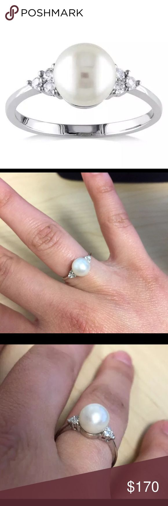 10kt White Gold Pearl Ring
