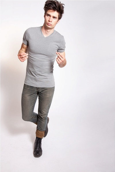 V Neck Grey. Lycra/Organic Cotton Mix Tees. Off-Duty Essentials. Order Online: http://www.el-capitano.com/collections/tees/products/v-neck-gray