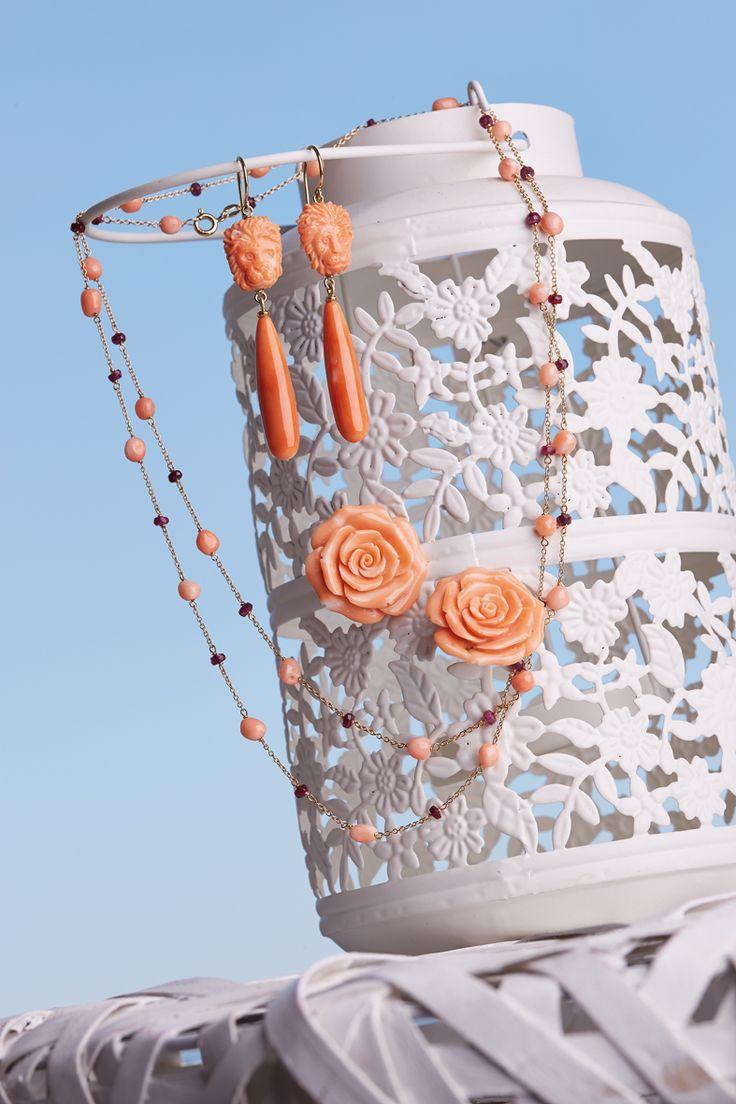 Antonio Della Monica antoniodellamonica.it Orecchini in oro 18kt con corallo, collana con corallo rosa e pietre preziose