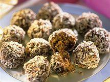 Čokoládové kuličky s vaječným likérem a kokosem